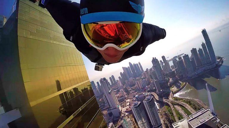 Urban Flight – Wingsuit Flying Downtown