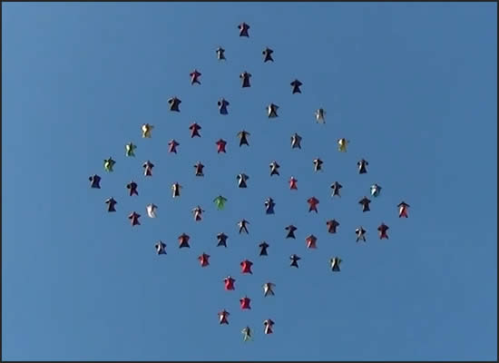 61 Wingsuit Jumpers Set New Skydiving World Record