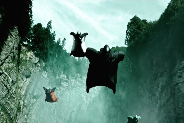 Point Break – Wingsuit Flying