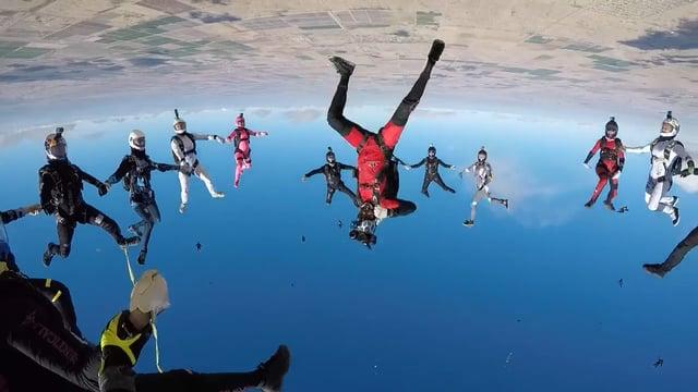 Women's Vertical World Record 65-Way