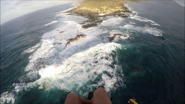 Paramotor Pilot's Perfect Emergency Landing in Hawaii