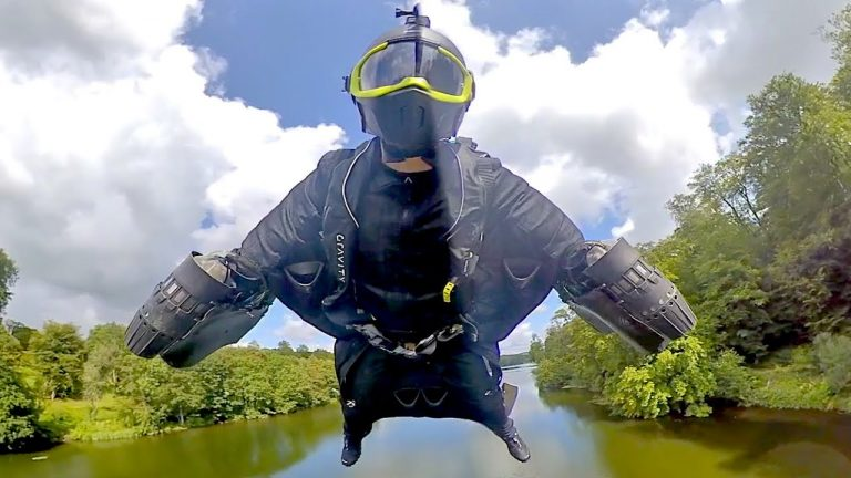 Gravity Jet Suit – Engineered for Speed